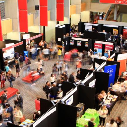 Регистрация на выставку американских университетов открыта!
